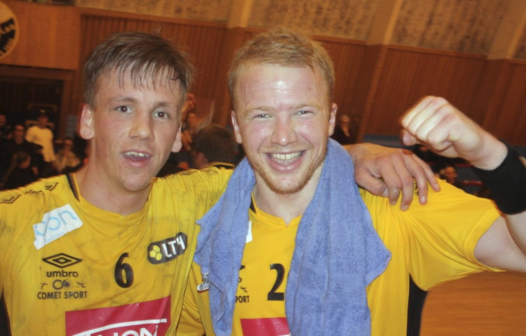 TILBAKE PÅ VINNERSPORET: Stian Nøstdahl (t.v.) og Trym Bilov-Olsen var sentrale i seksmålsseieren mot Kristiansand. Foto: Per Kristian Torvik