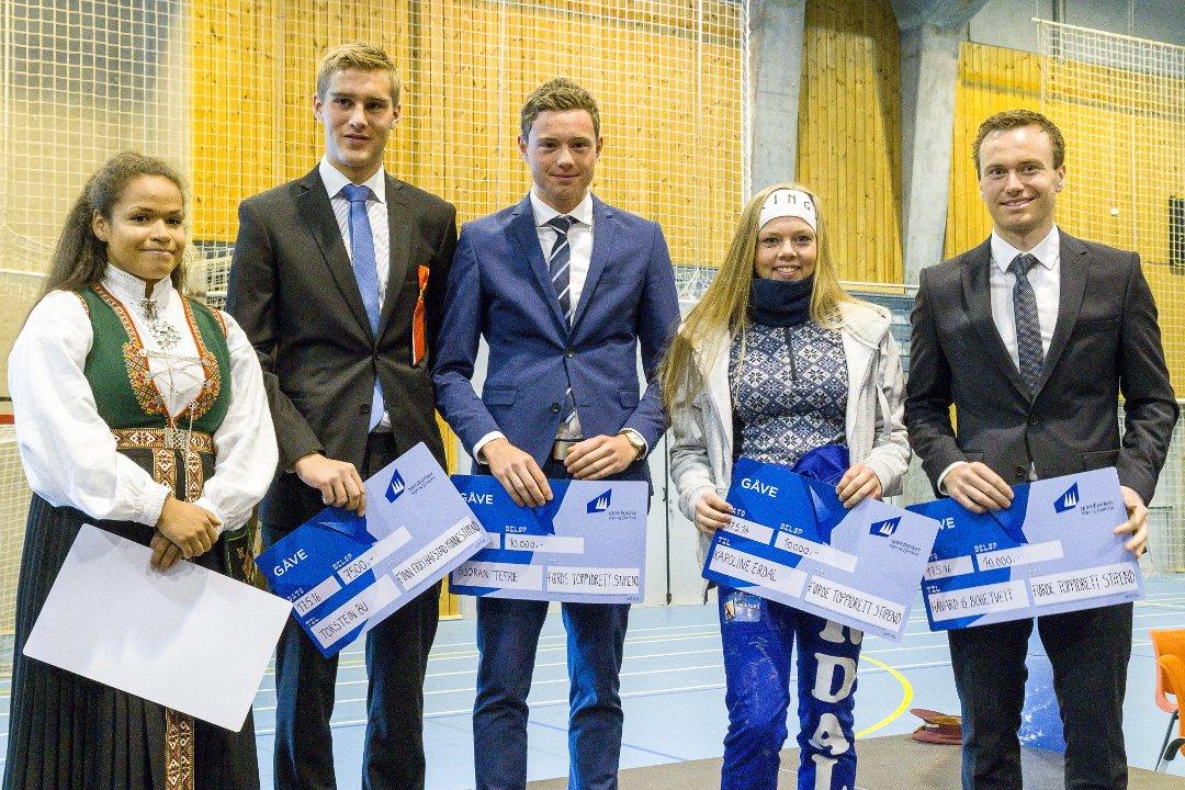 Frå venstre Silvia Kapstad (styrkeløft), Torstein Bu (langrenn), Gjøran Tefre (langrenn), Karoline Erdal (skiskyting) og Håvard Gutubø Bogetveit (skiskyting).