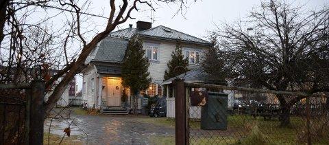 Den tidligere herskapsboligen «Villa'n» er sentralt beliggende i Kongens gate i Hønefoss. Byens rusmisbrukere sier selv at de ikke tør tenke på hvordan livene deres hadde vært, dersom de ikke hadde kunnet komme hit.