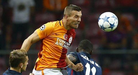 Vår oddstipper tror at Galatasaray og Lukas Podolski vinner søndagens bortekamp.