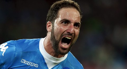 Napoli's Gonzalo Higuain celebrates after scoring during their Italian Serie A soccer match against Juventus at San Paolo stadium in Naples, Italy, September 26, 2015. REUTERS/Stringer