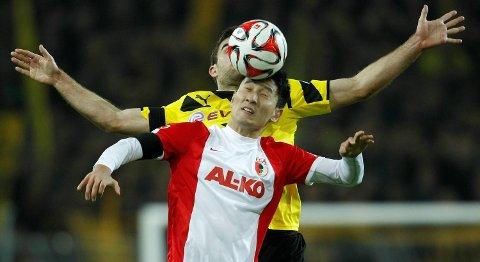 Vår oddstipper tror at Augsburg får problemer mot Schalke i dag.
