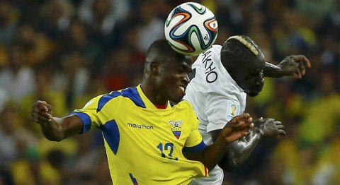 Vår oddstipper tror at Enner Valencia og Ecuador får det tøft i åpningskampen i Copa America mot Chile. Foto: Reuters