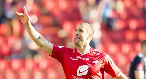 Vår tippeekspert tror Brann og Azar Karadas vinner på hjemmebane mot Hønefoss.