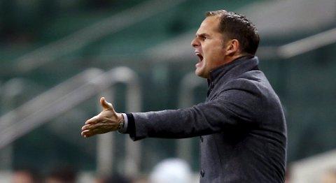 Trener Frank de Boer og Ajax vil satse offensivt på hjemmebane i returkampen mot Rapd Wien.