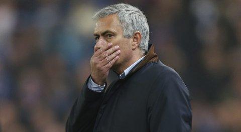 Chelsea-manager Jose Mourinho fikk fyken på torsdag. Spørsmålet er hvordan spillergruppen reagerer på det i lørdagens kamp mot Sunderland.