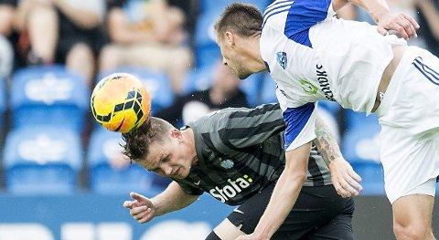 Vår oddstipper tror at Michael Jakobsen (t.v.) og Esbjerg tar tre poeng i torsdagens bunnoppgjør mot Sønderjyske. Foto: Reuters