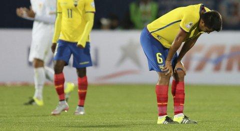 Ecuadors Cristian Noboa fortviler etter nedturen mot Bolivia. Vår oddstipper tror heller ikke at de vinner i natt.