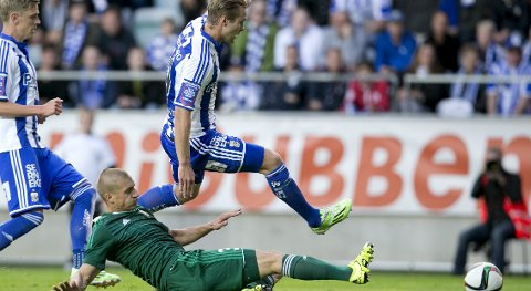 Sweden's IFK Gothenburg's Gustav Engvall jumps over Piotr Celeban of Poland's Slask Wroclaw  during their UEFA Europa League second qualifying round second leg soccer match in Gothenburg July 23, 2015.  REUTERS/Bjorn Larsson Rosvall/TT News Agency       ATTENTION EDITORS - THIS IMAGE WAS PROVIDED BY A THIRD PARTY. FOR EDITORIAL USE ONLY. NOT FOR SALE FOR MARKETING OR ADVERTISING CAMPAIGNS. THIS PICTURE IS DISTRIBUTED EXACTLY AS RECEIVED BY REUTERS, AS A SERVICE TO CLIENTS. SWEDEN OUT. NO COMMERCIAL OR EDITORIAL SALES IN SWEDEN. NO COMMERCIAL SALES.