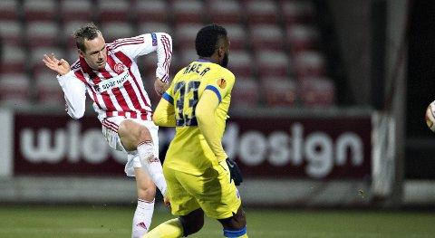 Vår oddstipper tror at Aalborg og Thomas Enevoldsen (t.v.) taper mot FC Midtjylland i kveld.