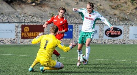 Ander Nygård fra Kråkerøy på vei til å score mot Østsiden. Han er ute med karantene i kveldens kamp.