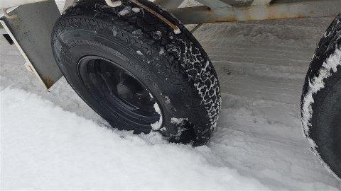 Vogntoget kjørte rundt på på sommerdekk i snøen.