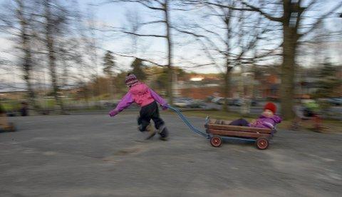 Har du et barn som fyller ett år i september eller oktober i år? Og har du også trodd at du ikke har rett på barnehageplass fra høsten? Et nytt forslag fra regjeringen gjør at også du bør raska på og søke om plass! (Illustrasjonsfoto)