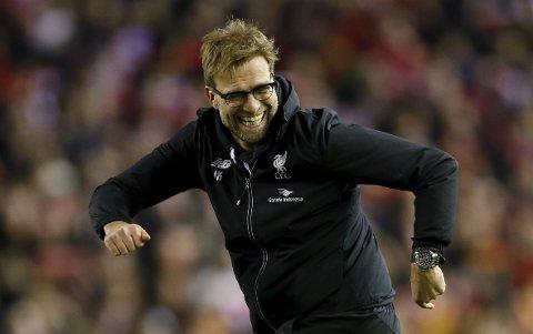 Liverpool-manager Jurgen Klopp jubler etter at Liverpool sikret seg finaleplassen i ligacupen.