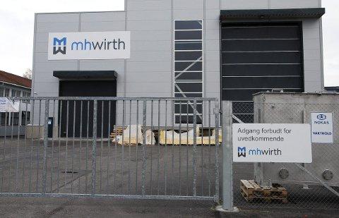 Stort lager: MH Wirths store lagerhall i Horten Industripark ble åpnet av ordføreren under stor jubel for et par år siden som et supplement til deres virksomheter. Nå er den i største laget for de rundt 50 som blir igjen.FOTO: TOM ARILD DAHL