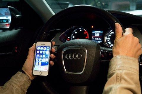 37 prosent av de spurte bilførerne medgir at de har sendt tekstmeldinger bak rattet, viser en ny undersøkelse.