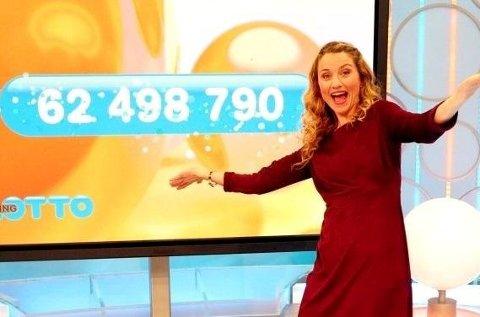 Programleder May Lisbeth Midtgård Myrvang gledet seg over at en norsk spiller vant 62,4 millioner kroner onsdag kveld.