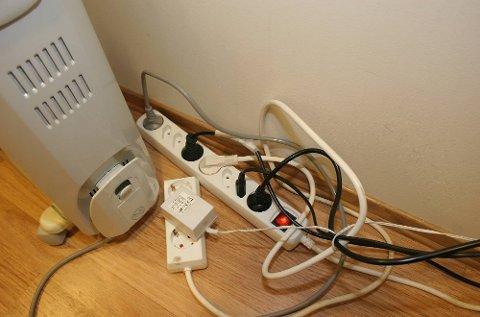 6 av 10 nordmenn kobler flere elektriske artikler til løse skjøteledninger.