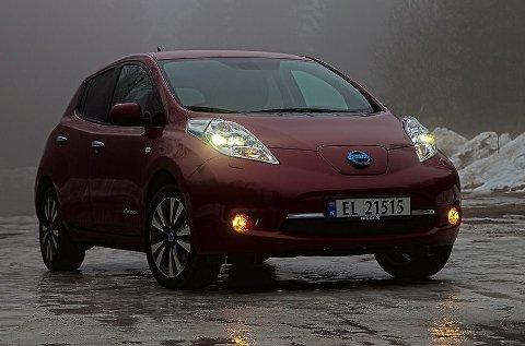 Fra neste år vil Nissan Leaf kunne leveres med et større batteri som gir 5 mil ekstra rekkevidde.