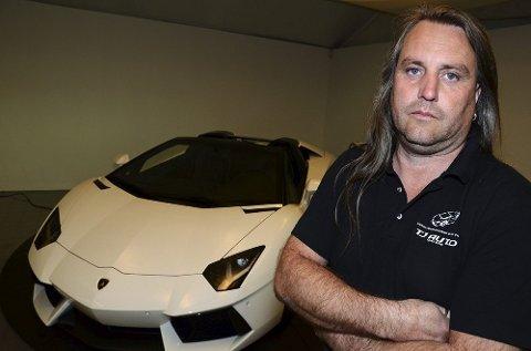 Tony André Johansen i TJ Auto med sin Lamborghini Avendator Roadster. Hans anke til lagmannsretten har betalt seg.