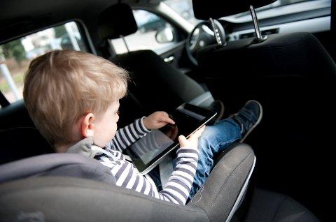 Vi ser at bilbelte, bilstol, lavere fart, sikrere biler, bedre veier og mer kunnskap redder liv, sier direktør Jan Johansen i Trygg Trafikk.