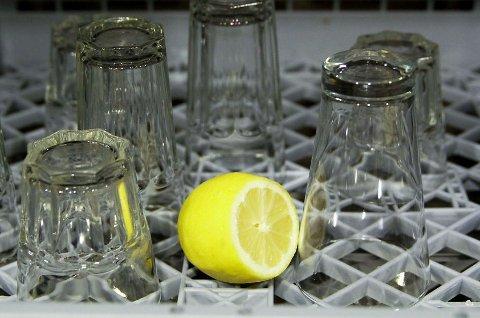 Oppvasken ble renere med sitron.
