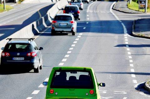Etter at restriksjoner ble innført for elbiler i kollektivfeltene rundt Oslo melder Ruter om kortere reisetid for bussene som benytter samme kjørefelt.