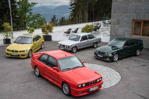 En fin samling 3-serie, med første generasjon M3 i forgrunnen.