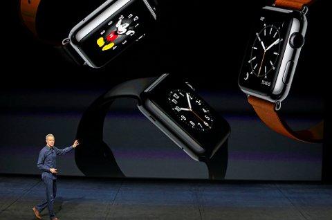 Jeff Williams i Apple presenterer noe av utvalget innen Apple Watch.
