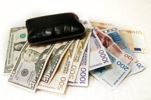 Mange bruker feriepengene i utenlandsk valuta.