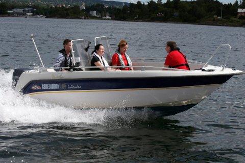 Stadig flere bruker redningsvest når de er i båt.