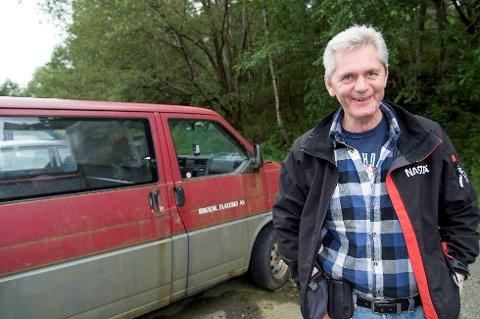Geir Magne Gjerstad ble frastjålet bilen i 2011. Fire år senere er bilen funnet på en parkeringsplass.