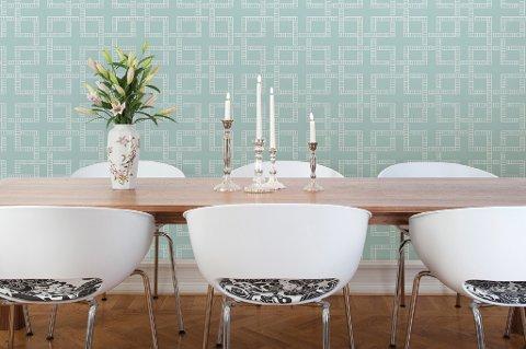 Mønstrene går i enten geometrisk eller en organisk retning og kan gjerne trekkes over fire vegger.