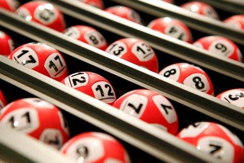 En kvinne fra Hordaland ble lørdag den tiende Lotto-millionæren fra fylket i år.
