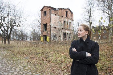 Det var her i Kopli mange av de fattigste i Tallinn bodde. Nå er området fraflyttet, men nøden er like stor. Artist Christine Guldbrandsen hadde mange sterke inntrykk da hun ble med Juleflyet forrige helg. FOTO: MAGNE TURØY
