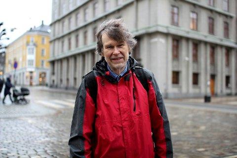 Navneforsker Ivar Utne fra UiB tror på korte navn og doble vokaler for 2016.