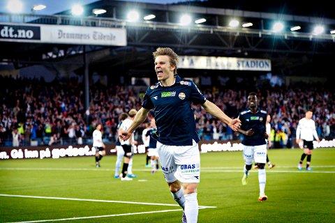 TIL MADRID: Martin Ødegaard kommer til å bli Real Madrid-spiller, men i Drammen vil han alltid huskes på denne måten.