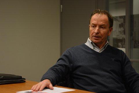 Kritisk: Styreleder Thor Edvard Mathisen forteller om en meget alvorlig økonomisk krise for Larvik HK. Foto: Torgrim Skogheim.