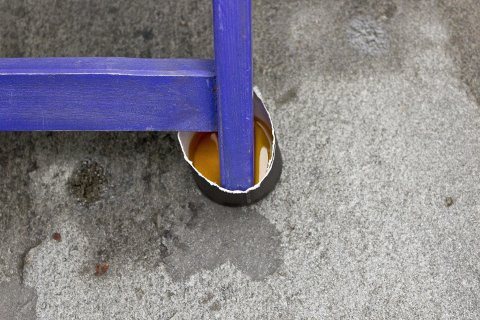 Vær ekstra grundig ved påføring av olje på beina.
