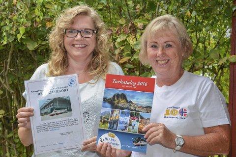 REISE: Elisabeth Bekken t.v. vant hovedpremien i Kiwanis lotteriet, og Eva Bredesen i Kiwanis Svelvik kunne overraske henne med et gavekort på mandag.