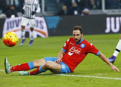 Napoli og Gonzalo Higuain har gått målløs av banen i de to siste kampene.