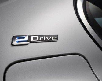 eDrive-logoen på c-stolpen indikerer at dette er en iPerformance-bil.