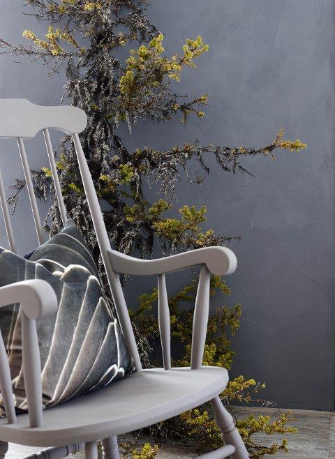 Møbler kan også males med de «nye» malingene.