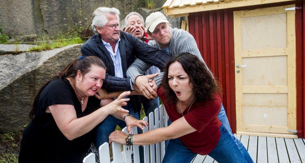 Sterke følelser: Heftig krangel om eiendomsgrenser i Brottet. Fra venstre ser vi   Aina B. Gundersen, Nils Vogt, Dag Vågsås, Kristian Gangfløt og Pernille Heckmann. Foto: Erik Hagen