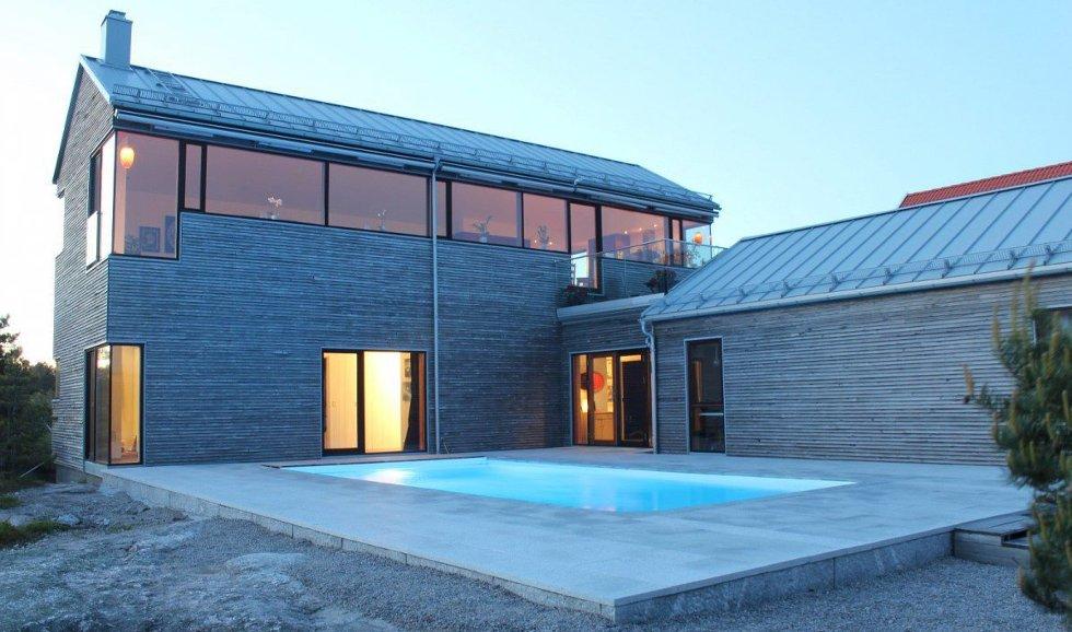 Luksusvarianten: Denne eneboligen på Asmaløy leies ut i én uke i sommer. Prisen er inntil 20.000, med svømmebasseng og plass til flere familier. Foto:privat