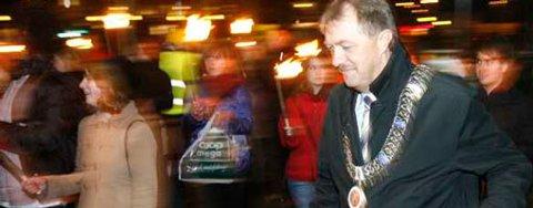 Gunnar Bakke holdt tale og gikk i fakkeltog da SOS Rasisme i bergen markerte Krystallnatten i Tyskland i 1938 (09.11.2007).
