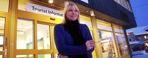 Kommunalt ansatte Liss-Ellen Rhode kan enn så lenge nyte røyken i arbeidstida.