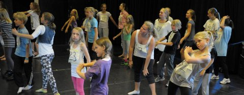 """Det var amnge som kom på audition til """"Bakgårdskatter"""" på Alexandergården mandag."""