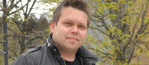 Kim Lindblad arrangerer minnekonsert for Tommy Larsen som døde av blind festvold i Apalveien i Askim. *** Local Caption *** Kim Lindblad arrangerer minnekonsert for Tommy Larsen som døde av blind festvold i Apalveien i Askim.