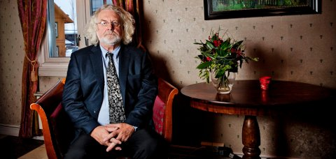 "FORMIDLER: Forfatter Edvard Hoem er på vegen med forestillingen ""Bjørnson og musikken"""
